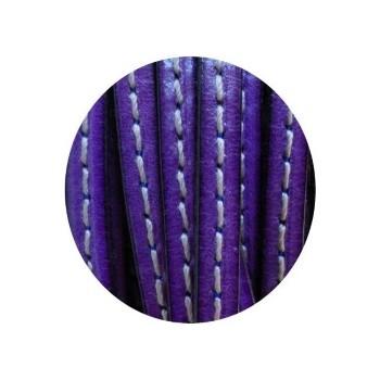 Cordon de cuir plat 5x2mm violet soutenu couture blanche-vente au cm