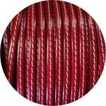 Cuir plat 5mm rouge flamme couture blanche vendu au mètre
