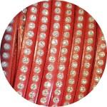 Cordon de cuir plat 6mm rouge strass vendu au metre